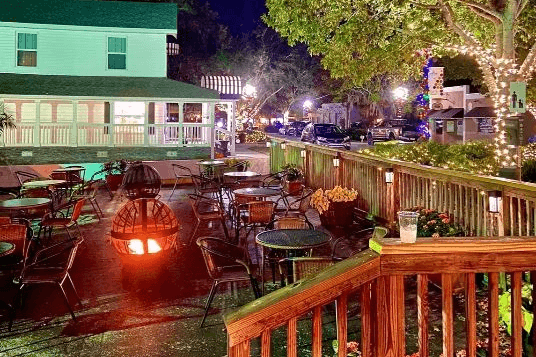 Photo of outdoor seating at Southern on 8th restaurant in Clermont.