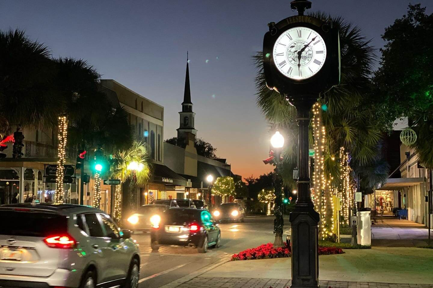 Photo of downtown Leesburg lit up for Christmastime.