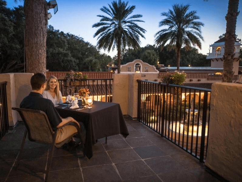 A couple dines outside at Mission Inn Resort & Club.