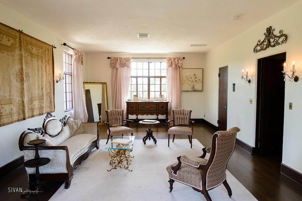 Sitting room in the Howey Mansion