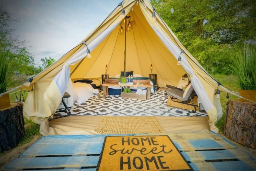 Glamping tent at Lake Louisa State Park